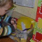 für Kinder gibt es eine Spielecke, einen Spielplatz und einen gut ausgestatteten Wickeltisch
